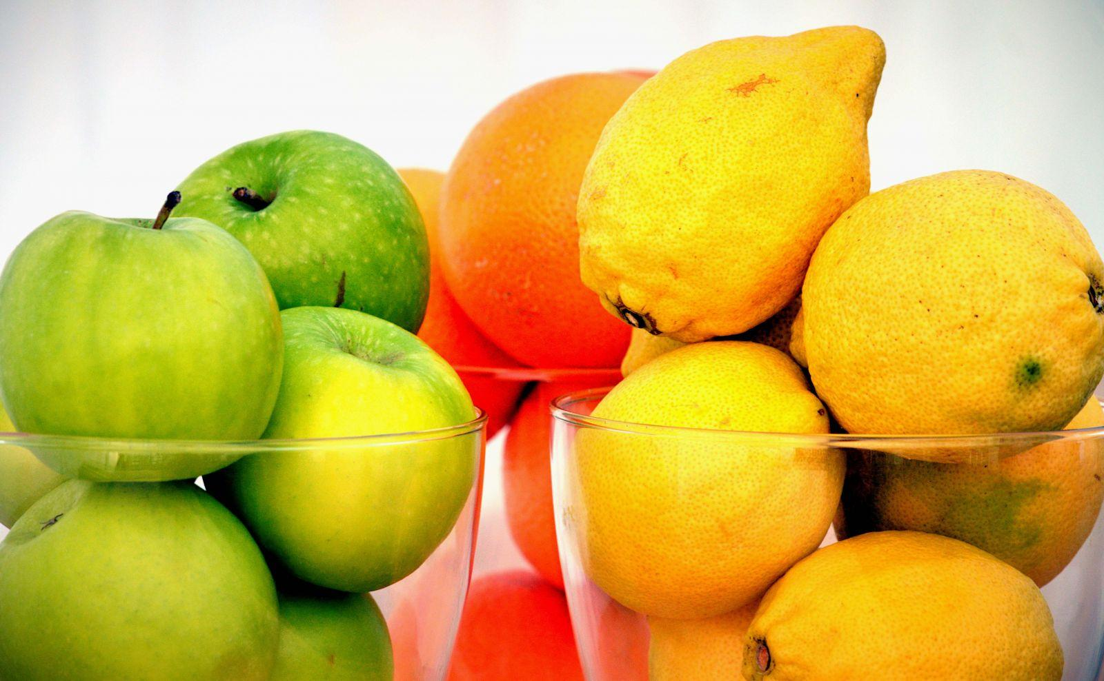 apples, oranges, and lemons